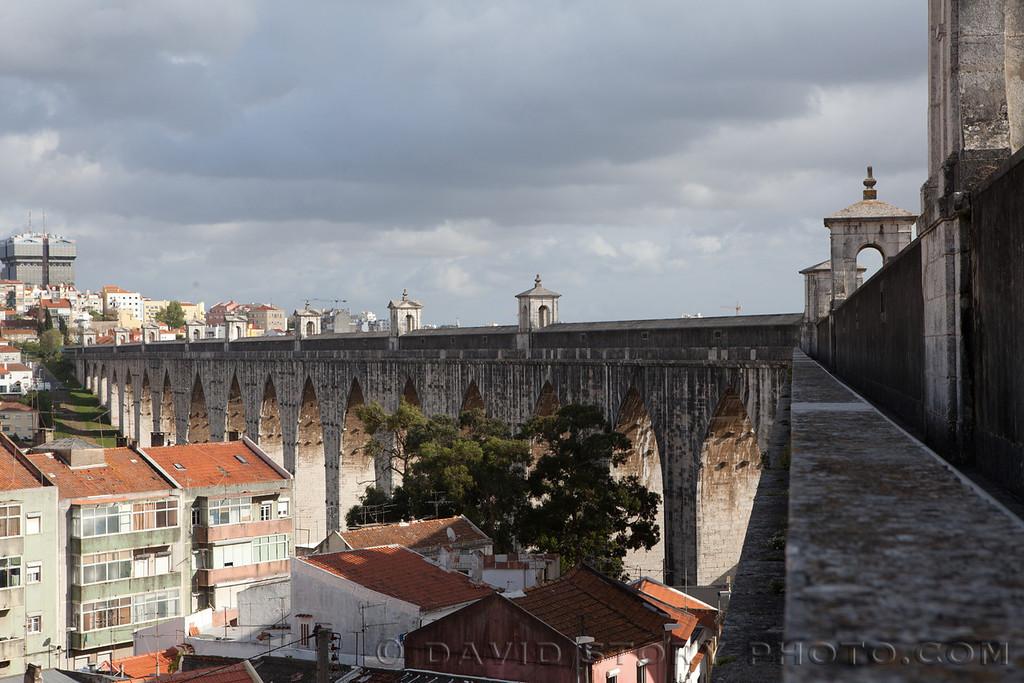 Lisbon's Aqueduto.