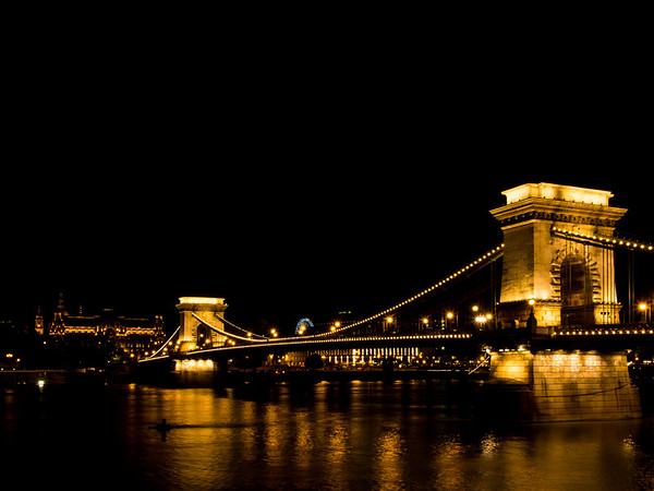 Chain Bridge at nigiht, Budapest