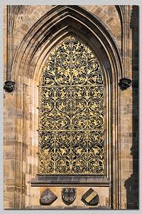 Catedral. Detalhe de uma janela. Cathedral. Wundow detail.