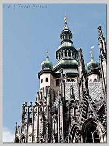 Catedral. Foto com um tratamento digital (PS - CS2) para realçar os detalhes do edifício. Cathedral. Digitally post-processed (PS - CS2) to enhance the details of the building.