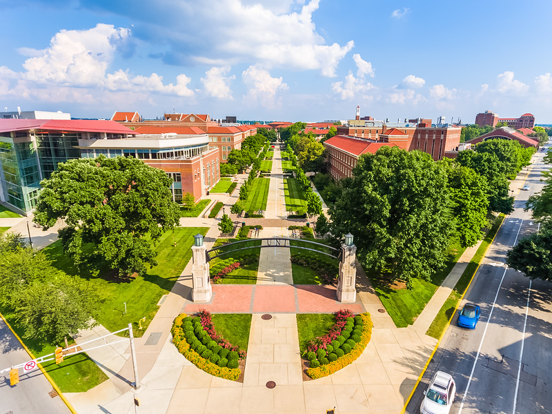Excited to be heading back soon🚂 With only 2 years at Purdue left, I've decided to share some of my favorite images in a monthly gallery. Check my website (tmahlmann.com - link in bio) for my first entry! Took this aerial pic on a visit last week to campus for an engagement shoot, it was just a gorgeous day. Couldn't have asked for better weather. @DJIGlobal #Phantom4 | #HDR
