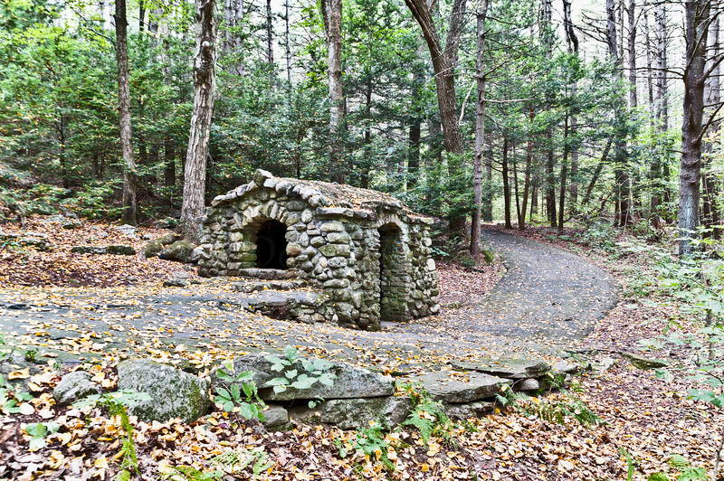 The Spring Well stone Hut and Trail.