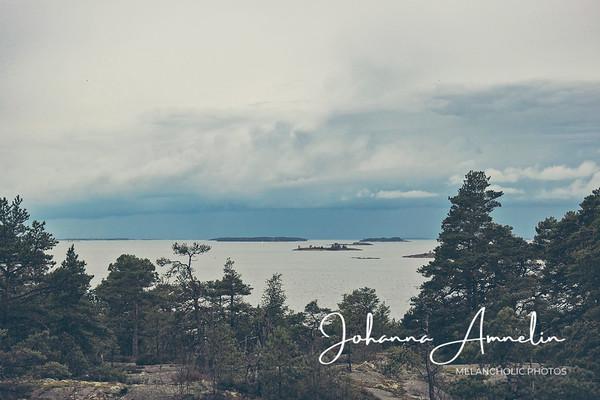 Syksyisellä päiväkävelyllä Purunpään henkeäsalpaavan jylhissä kalliomaisemissa