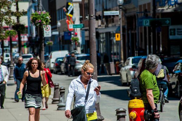 A bustling street in Saint Roch.