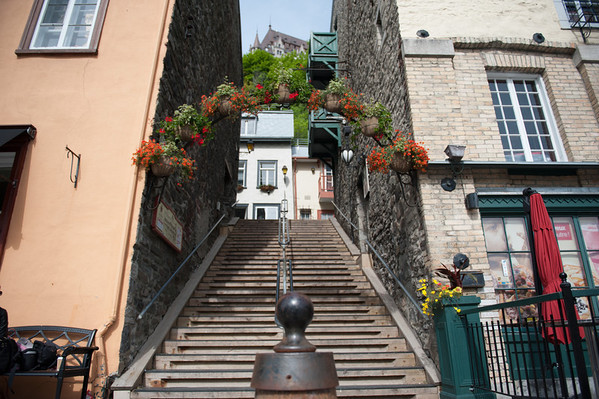 Yet another staircase, this one connecting the Rue Champlain to the Boulevard Champlain.  The roof of the Chateau Frontenac, in the Upper City, is visible at the top of this image.