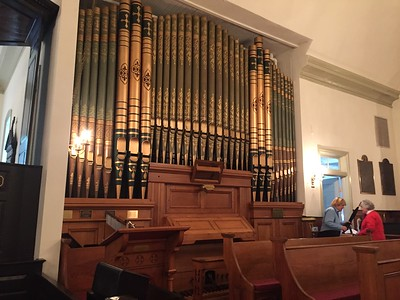 St. John's Episcopal Church. The organ.