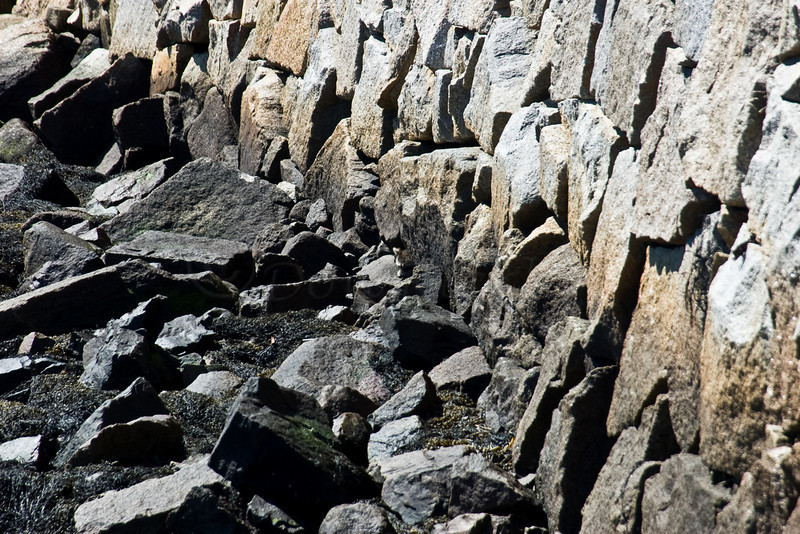 Stone wall of Bearneck Point