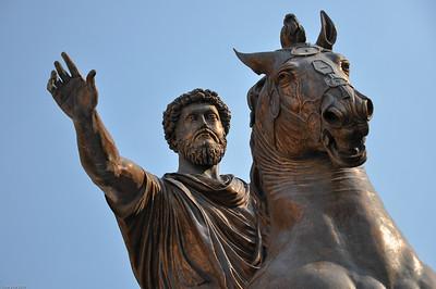 ... der für ein goldenes Zeitalter im antiken Rom steht. /... standing for a golden age in ancient Rome.