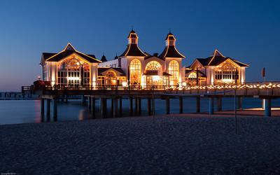 Sellin Seebrücke bei Nacht / Sellin Pier at night