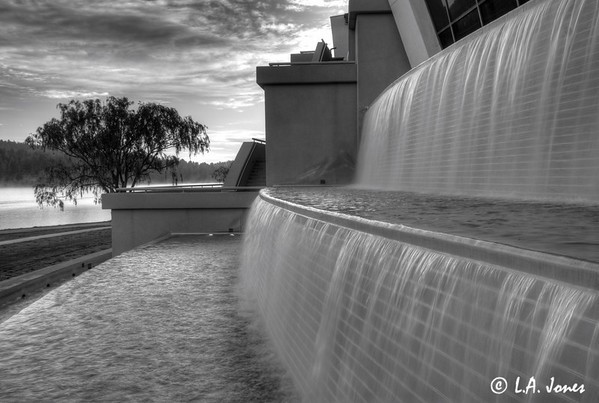 Inn_of_Gods_Fountain_LAJ7168-bw