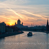 Moscow River after sunset with the beautiful Christ the Savior Cathedral in the view. 日落后的莫斯科河及远处的救世主大教堂。