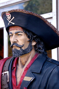 Pirate Mannequin outside of St. Augustine, FL storefront. © Nora Kramer. All rights reserved.