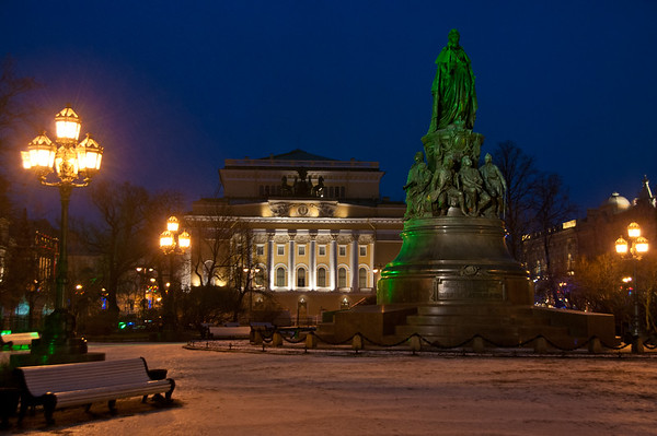 Catherine Square, Saint Petersburg, Russia.  Photo by: Stephen Hindley ©