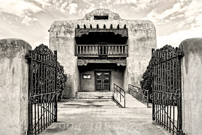 Church Near Ghost Ranch - Copyright 2016 Steve Leimberg - UnSeenImages Com _Z2A2228
