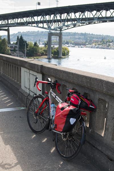 20160806.  Ship Canal and I5 Bridge from Eastlake Avenue Bridge, Seattle WA.