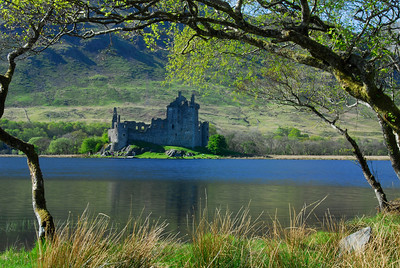 Kilchurn Castle along Loch Awe - Scotland