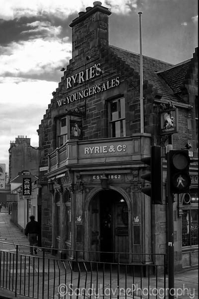 Ryrie's Pub