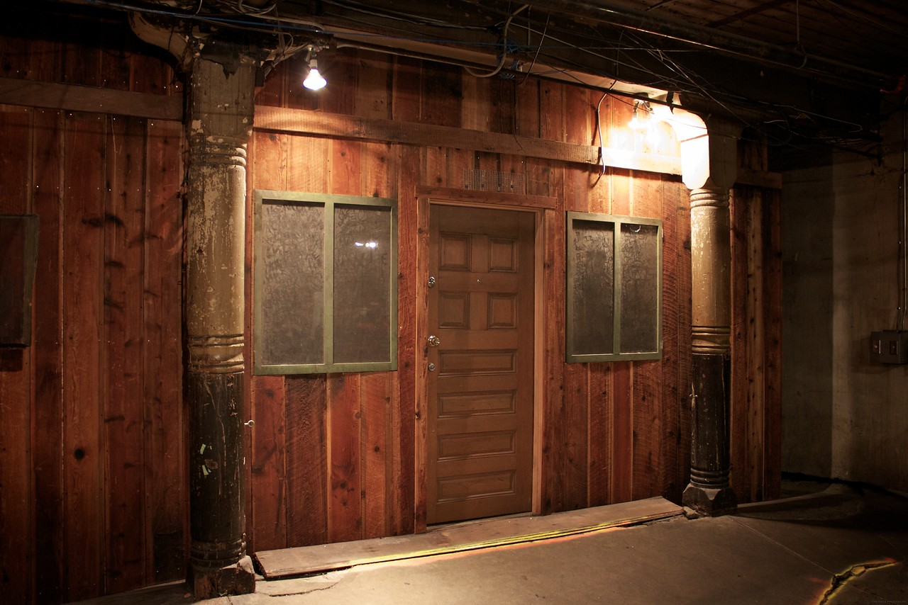 Three B movies used the Seattle underground as shooting locations.