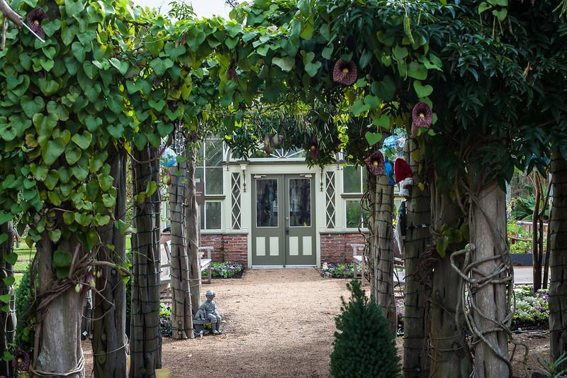 Shangri La-December 06, 2012-183