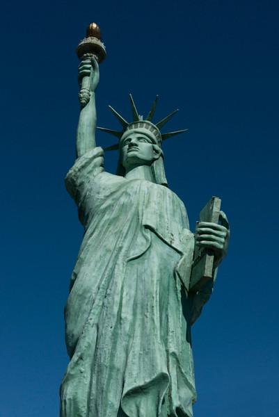 This 25' replica of the Statue of Liberty is one of the attractions at Shenandoah Caverns.