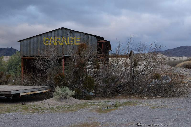 Shoshone Garage, Closed Weekends.