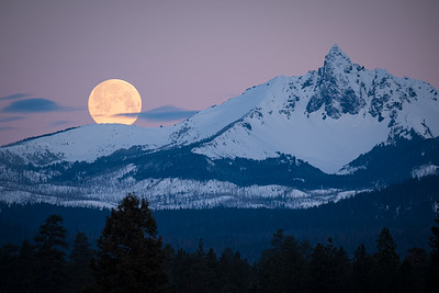 Full Moons And Mountains