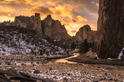 Sunset At Smith Rock, Smith Rock State Park, Central Oregon