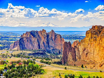 Smith Rock Overview, Smith Rock State Park, Central Oregon