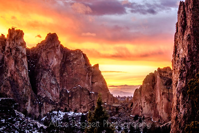Vibrant Sunset At Smith Rock