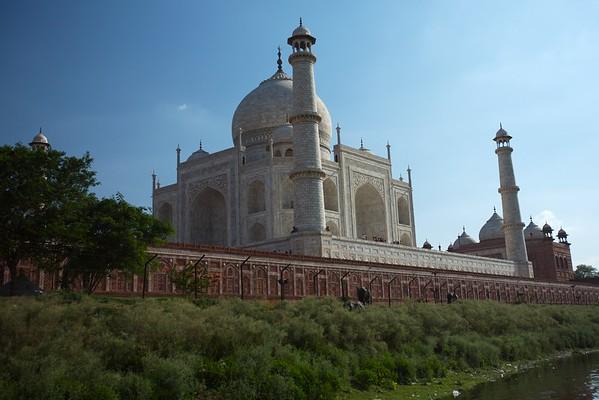 Side view of the Taj.