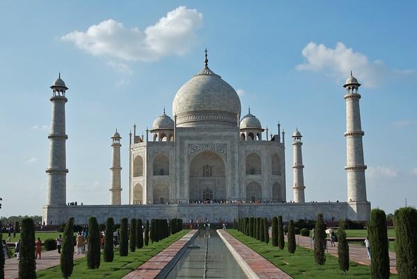 The Taj Mahal dominates the skyline.