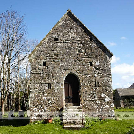 Seaman's Chapel behind St Mary's, Angle