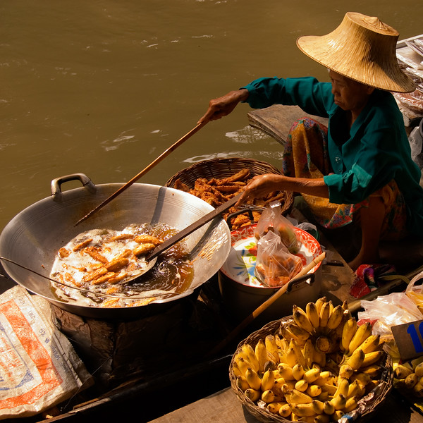 Damnoen Saduak Floating Market-Thailand