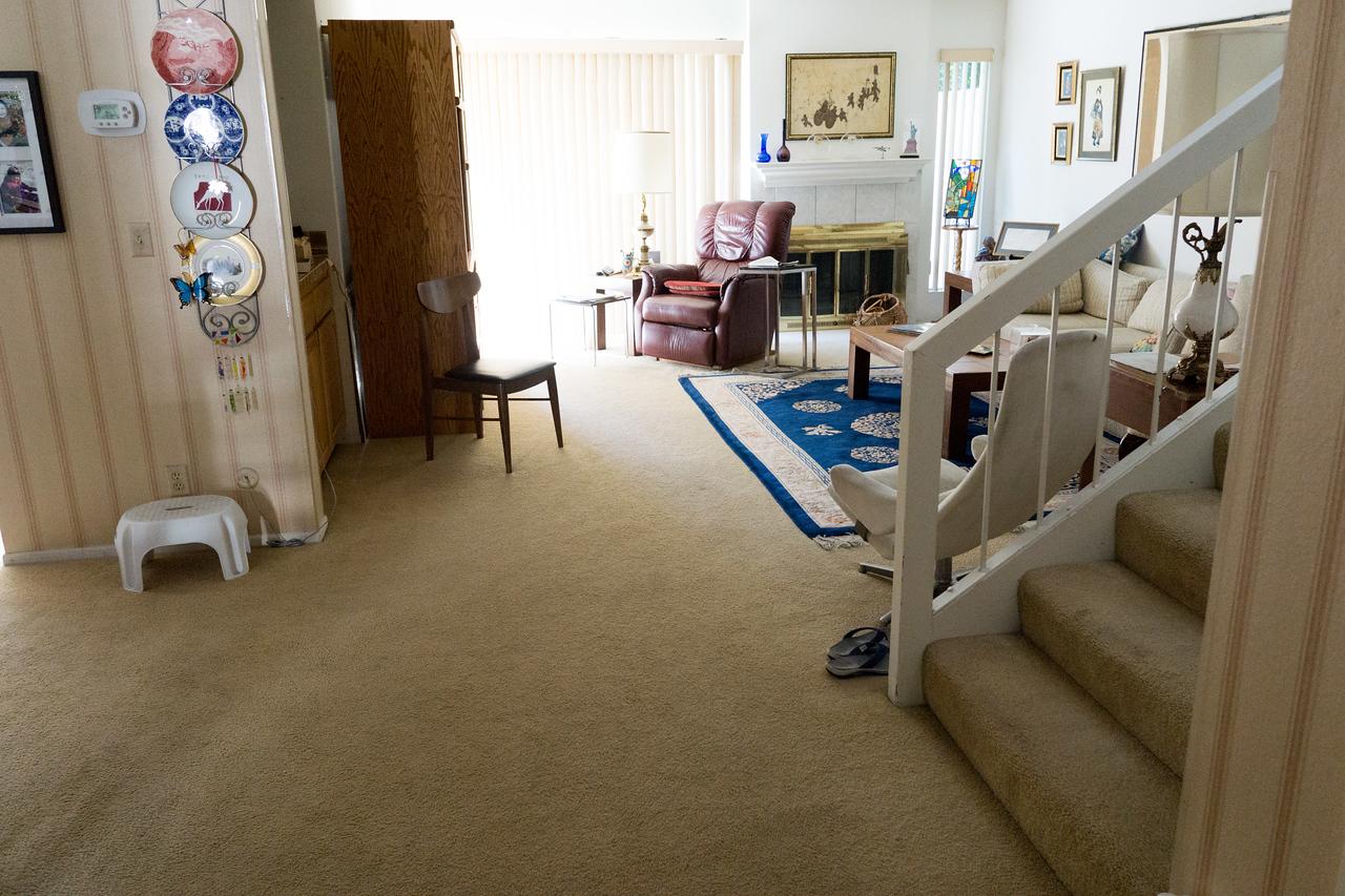6123 Alberta's apartment
