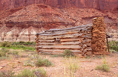 Abandon cowboy cabin.  Fort Bottom, Green River. Utah.