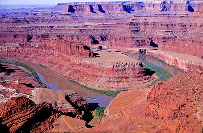 Overview of Colorado river as it snakes through canyon.  Looking south from Grand view point.  Canyonlands NP, Utah.