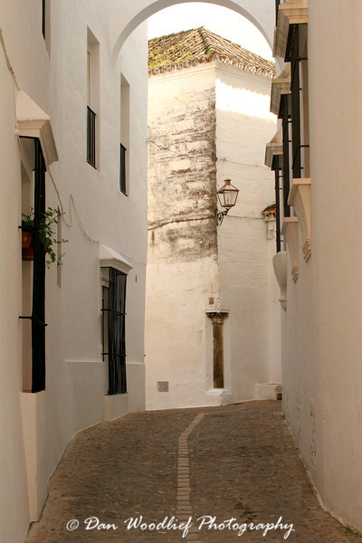 One of the notorious narrow, winding streets of Arcos.