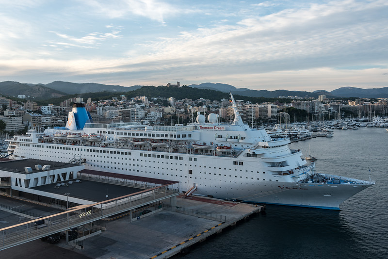 397-7347 MS Thomson Dream in the evening, Palma, September 14, 2013