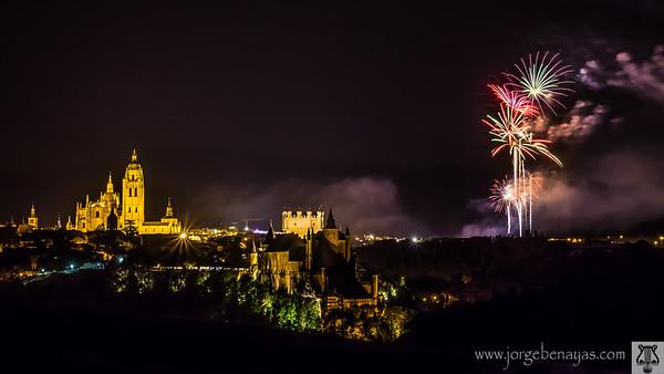 Fuegos artificiales en Segovia
