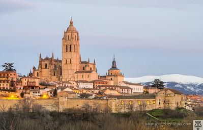 Catedral de Segovia al anochecer
