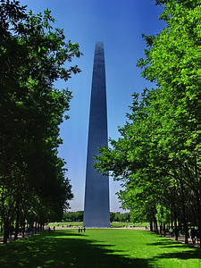 View from the North; The Gateway Arch; Gateway to the West; Jefferson National Expansion Memorial; St. Louis, Missouri