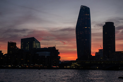 Spent a few hours out in London with Claire from Olympus trying long exposure and that brilliant Live Comp feature on the EM1 MkII. The sun was just setting to leave a red sky.