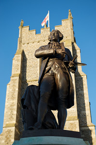 The statue of Gainsborough in front of St Peters Church in Market Hill