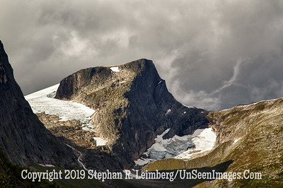 Mountain Top GLACIER AND BERGEN_110825_1369_HDR
