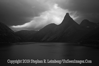 Norway's National Mountain B&W 110830_7555