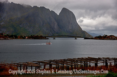 Reine Harbor Lofoten Islands_110831_7751_HDR