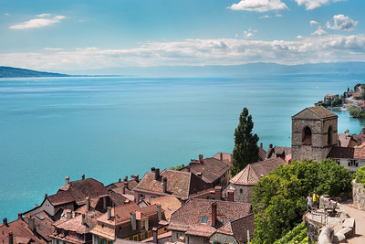 Saint-Saphorin village in Lavaux, overlooking lake Geneva