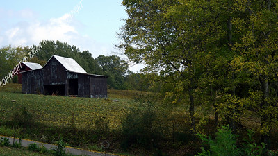 IMG_0854 Old Barn on a Hill
