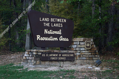 Land Between the Lakes entry sign
