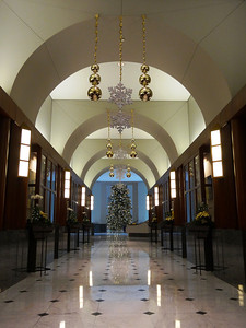 One of the entrances to the rotundra at Christmas.